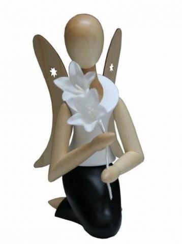 Engel Sternkopf knieend mit Glockenblume